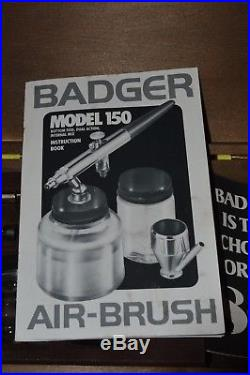 AIRBRUSH BADGER 150-4PK DUEL ACTION IN WOODEN PRESENTATION BOX CIRCA 1980's