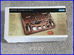 Airbrush Testors Aztek A4709 Airbrush Set Very Good Condition Boxed