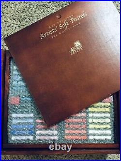 Art Spectrum Soft Pastels set of 154 in wooden box - NEW IN BOX