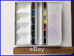 Heavy Weight Winsor & Newton Artist Paint Box, Good Used Condition