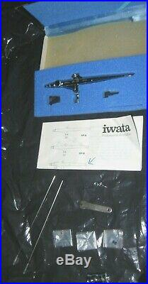 Iwata HP-SB Airbrush with Accessories & manual Great Cond. In Box MADE in JAPAN