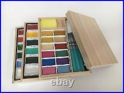 Kuretake Gansai Japanese Watercolor Paint 48 colors set with3 brushes + Box