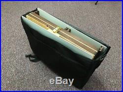 NEW Open Box M Lightweight kit Pochade Plein Air Easel Palette & Wet Storage