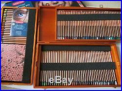 RRP £370, DERWENT Lightfast 100 Coloured Pencils in Wooden GIFT Box BRAND NEW