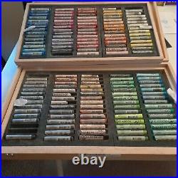 Royal Talens North Americ 31814150 Rembrandt Soft Pastel Wood Box Set 150 Stick