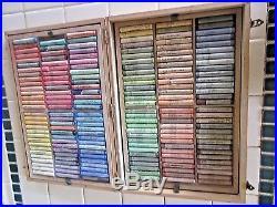 Vint Talens Rembrandt art Pastel set 179 pieces, hinged wooden box w 2 trays