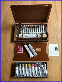 Vintage 70's Winsor and Newton Artists Wooden Oil Paint Box, plus 23 tubes