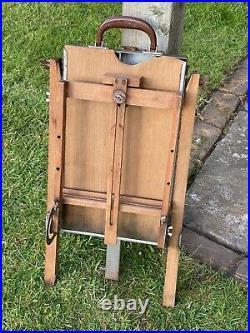 Vintage Reeves Portable Easel & Paint Storage Box