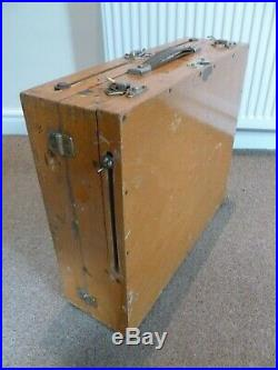 Vintage WINSOR & NEWTON Travelling Artists Pochade free standing PAINT BOX easel